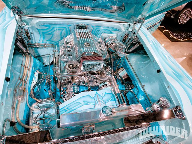 1958_Chevrolet_Impala_Engine_Compartment